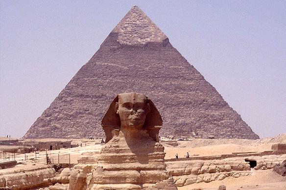 pyramids_sphinx1
