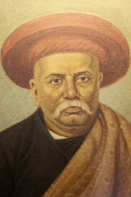 Dr. Bhau Daji Lad [Ramakrishna Vitthal Lad], after whom the museum was renamed in 1975 was the first Indian Sheriff of Mumbai, a philanthropist, historian, physician, surgeon and secretary of the founding Museum Committee (1822 – 74).
