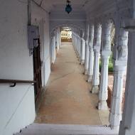 The [now white-washed] corridors of Kotah's piece-de-resistance: the 17th Century Kotah Garh Palace.