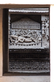 Carved inside niches in the walls encircling the 29-metre deep well are three identical sculptures of Vishnu sleeping on the mythical serpent Sesanaga.