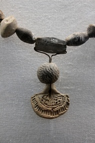 Indus Valley artisans at Lothal produced beads of various shapes and sizes ranging from less than a millimetre in diameter to 5 centimetres in length. Some were tipped with gold while some were etched with line decoration to be strung together into necklaces with pendants.
