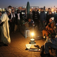 global travel shot: uninterrupted storytelling in djemaa el-fna