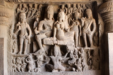 The Hindu caves were the first to be excavated in Ellora. Within the series, Cave 29, reminiscent of the Elephanta caves in Mumbai, is one of the earliest.